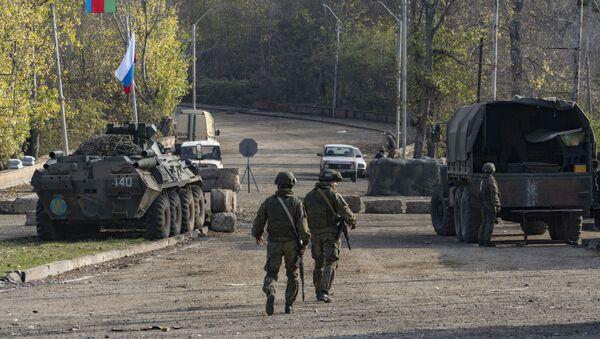 Российские миротворцы в Карабахе, фото из архива - Sputnik Азербайджан