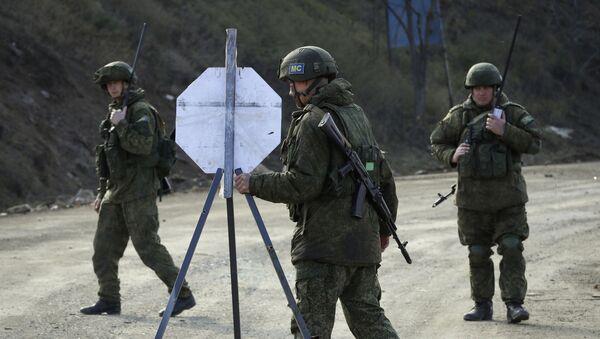 Российские миротворцы в Карабахе, фото из архива - Sputnik Azərbaycan