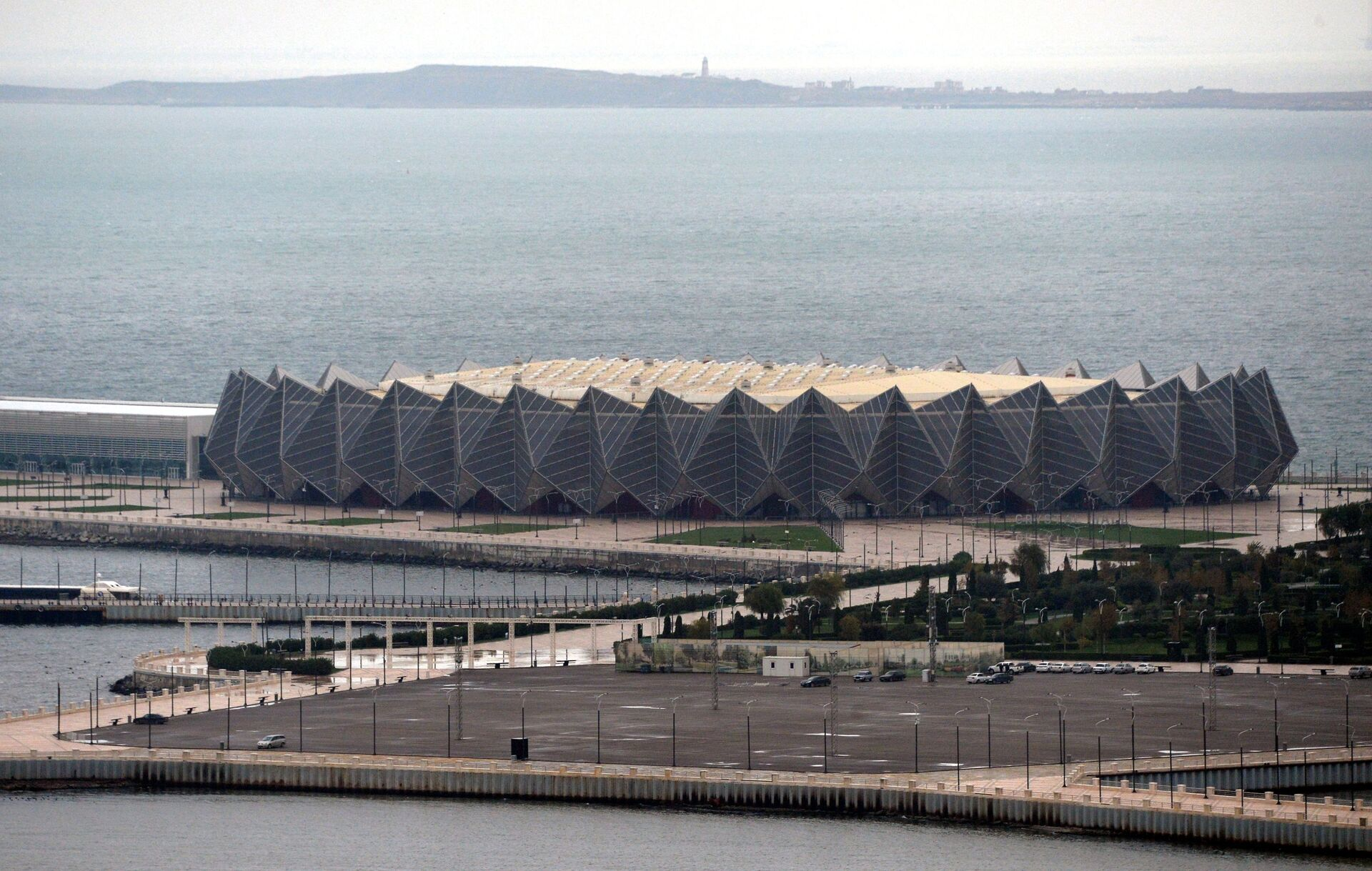 Топ-5 современных архитектурных проектов, изменивших облик Баку - Sputnik Азербайджан, 1920, 27.06.2021