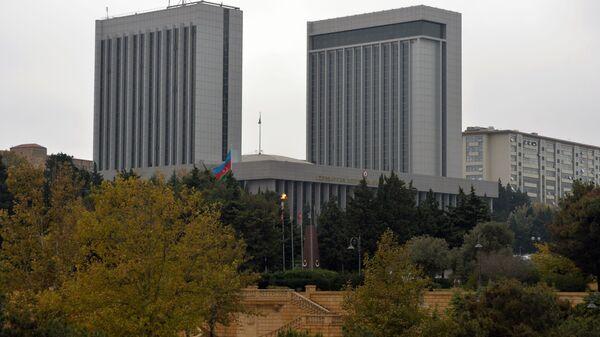 Здание Национального собрания Азербайджана в Баку. - Sputnik Azərbaycan