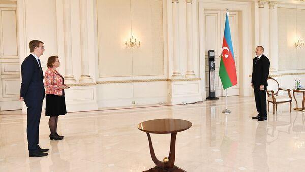 İlham Əliyev Niderlandın Azərbaycanda yeni təyin olunmuş səfirinin etimadnaməsini qəbul edib - Sputnik Азербайджан