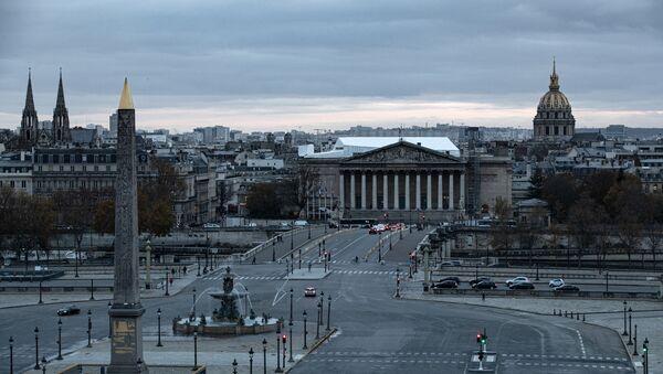 Вид сверху на площадь Согласия и здание Национального собрания в Париже, Франция - Sputnik Azərbaycan