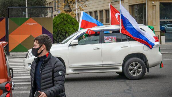 Автопробег, посвященный освобождению Агдама в Баку - Sputnik Азербайджан