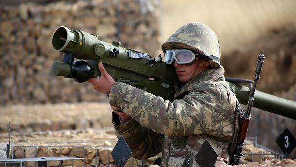 Азербайджанский солдат с ПЗРК Игла, фото из архива - Sputnik Азербайджан
