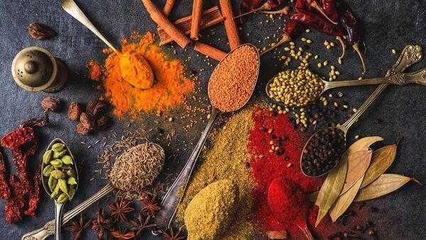Мята, базилик, кориандр, шафран и куркума — главные специи азербайджанских блюд или зимнее спасение? - Sputnik Азербайджан