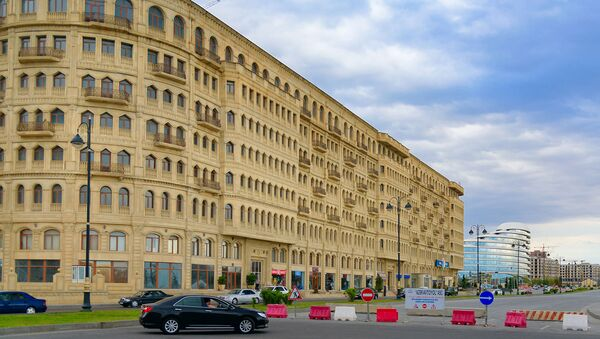 Топ-5 нелепых, странных и неуместных построек Баку. Частное мнение архитектора  - Sputnik Азербайджан