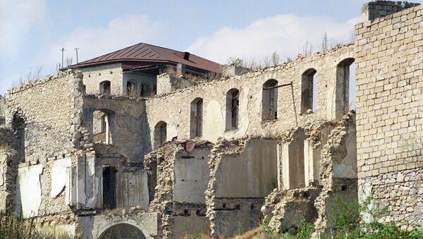 Разрушенные дома в городе Шуша, фото из архива - Sputnik Азербайджан