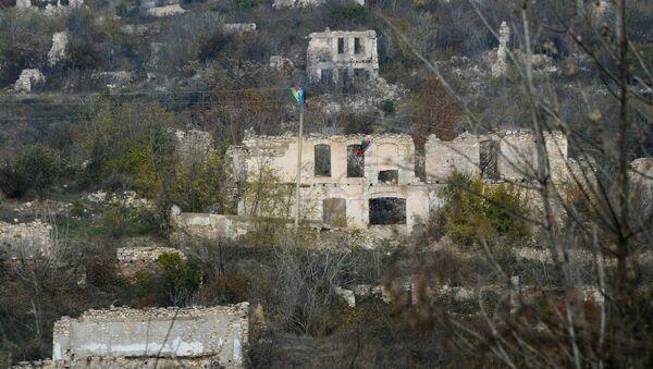 Füzulidə dağıdılmış binalar - Sputnik Азербайджан