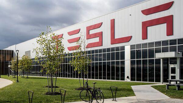 Tesla на историческом максимуме - Sputnik Азербайджан