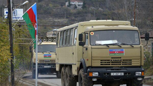 Колонна с азербайджанскими военными в Лачинском районе, фото из архива  - Sputnik Азербайджан