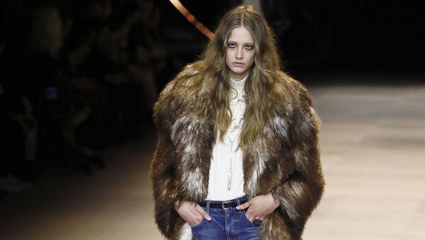Зимние тренды: какой выбор сделать при покупке верхней одежды - Sputnik Азербайджан