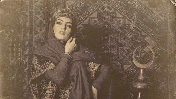 Известная азербайджанская певица Диляра Кязымова в образе дочери последнего правителя Карабаха Мехтигулу хана Джаваншира, поэтессы Хуршидбану Натаван - Sputnik Азербайджан