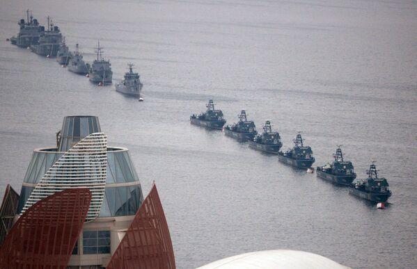 Достигнут консенсус о неприсутствии на море вооруженных сил, не принадлежащих странам каспийского региона, о коллективном противодействии любой неправомерной деятельности на море. - Sputnik Азербайджан
