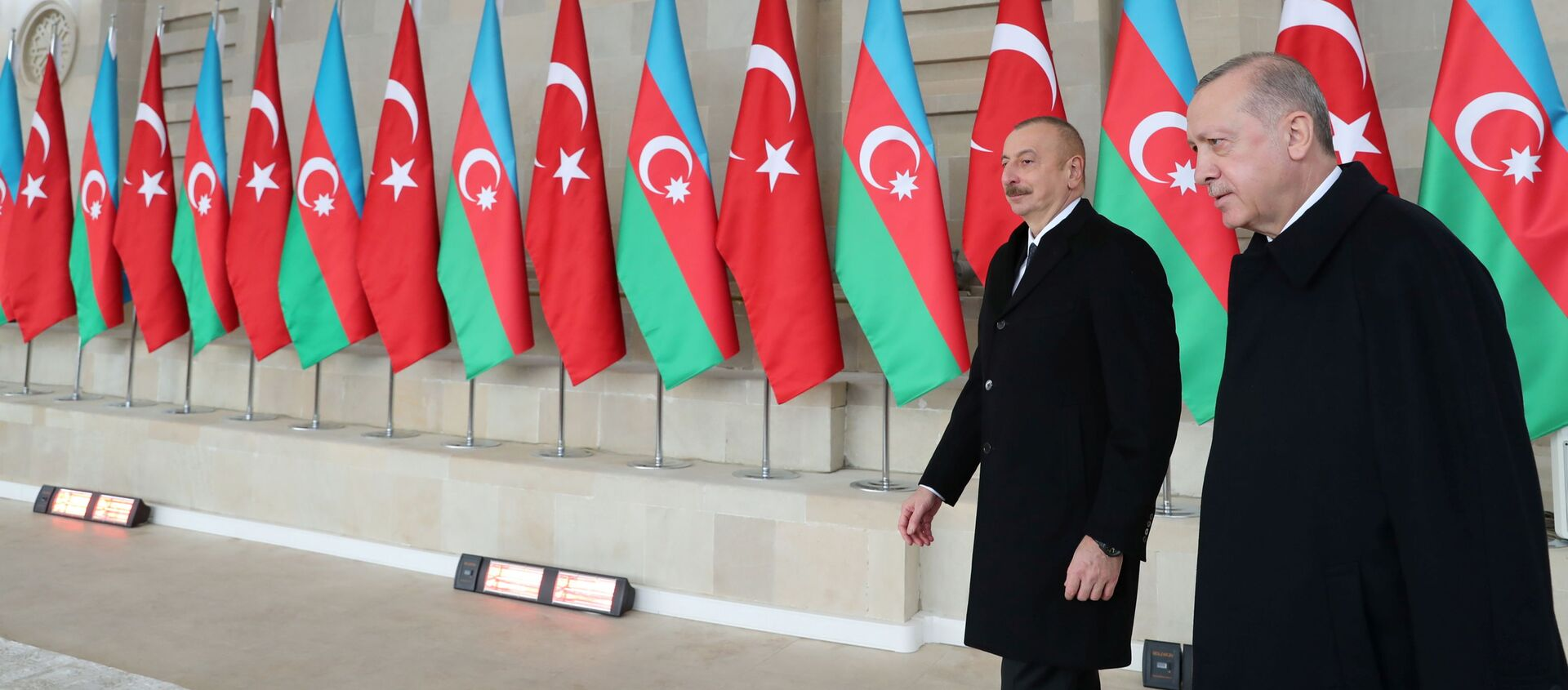 Президент Азербайджана Ильхам Алиев и Президент Турции Реджеп Тайип Эрдоган на военном параде в Баку, фото из архив - Sputnik Азербайджан, 1920, 20.02.2021