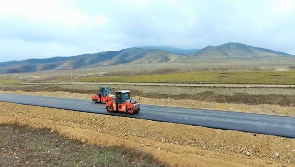 Асфальтирование дорог в села Суговушан и Талыш - Sputnik Азербайджан