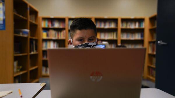 Дистанционное образование, фото из архива - Sputnik Азербайджан