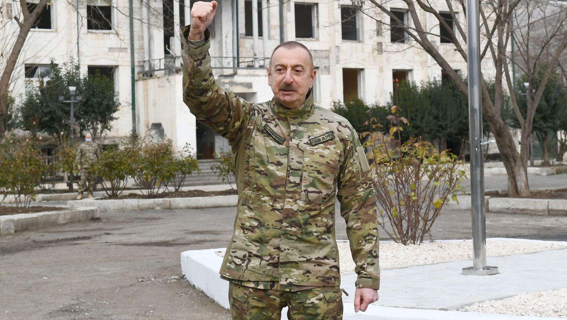Президент Ильхам Алиев в Губадлинском и Зангиланском районах - Sputnik Азербайджан, 1920, 25.06.2021