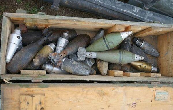 Боеприпасы на территории села Гияслы Агдамского района - Sputnik Азербайджан