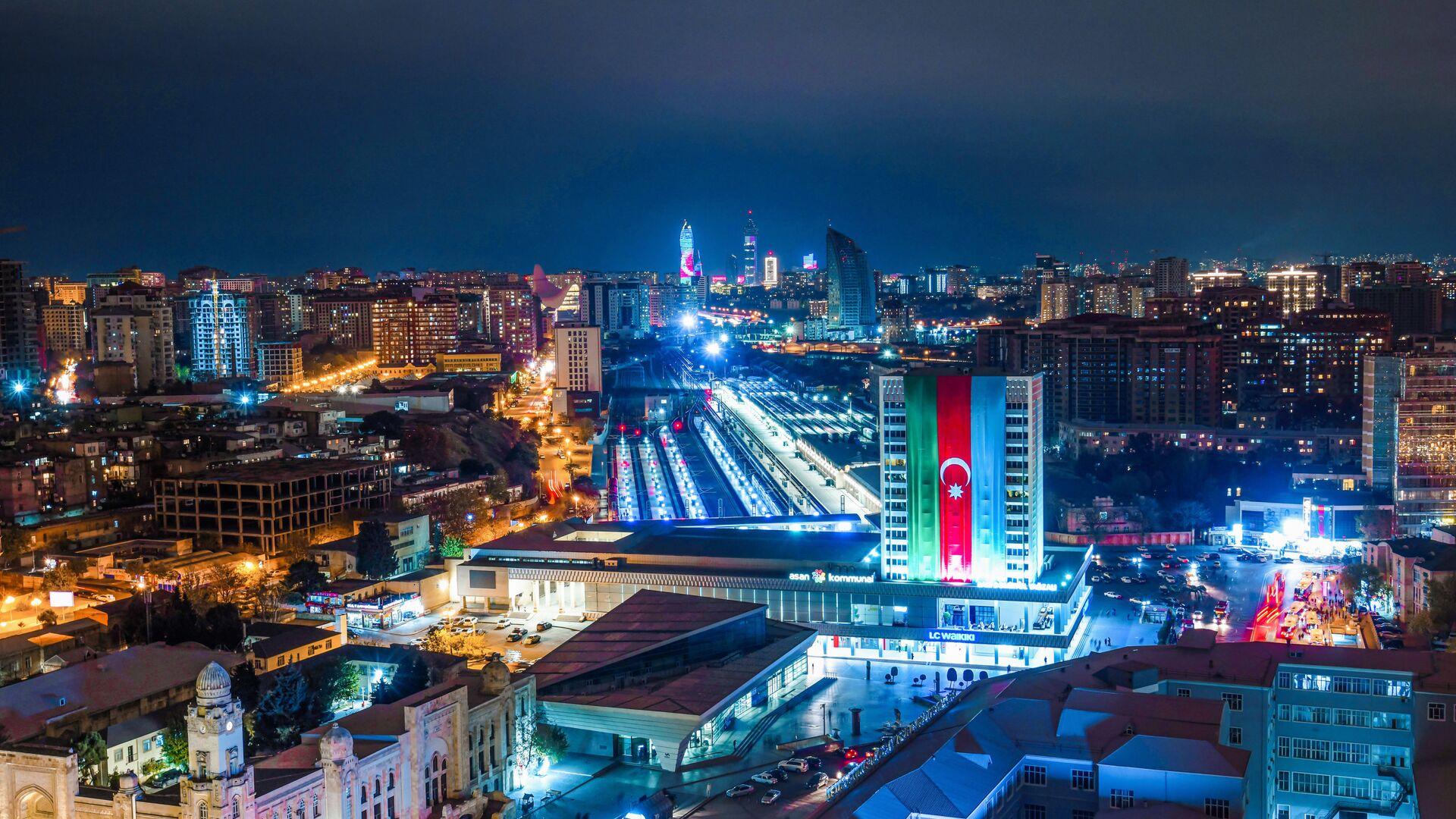Bakı gecə vaxtı - Sputnik Azərbaycan, 1920, 07.10.2021