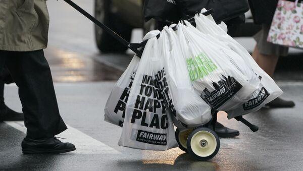 Пластиковые пакеты, фото из архива - Sputnik Азербайджан