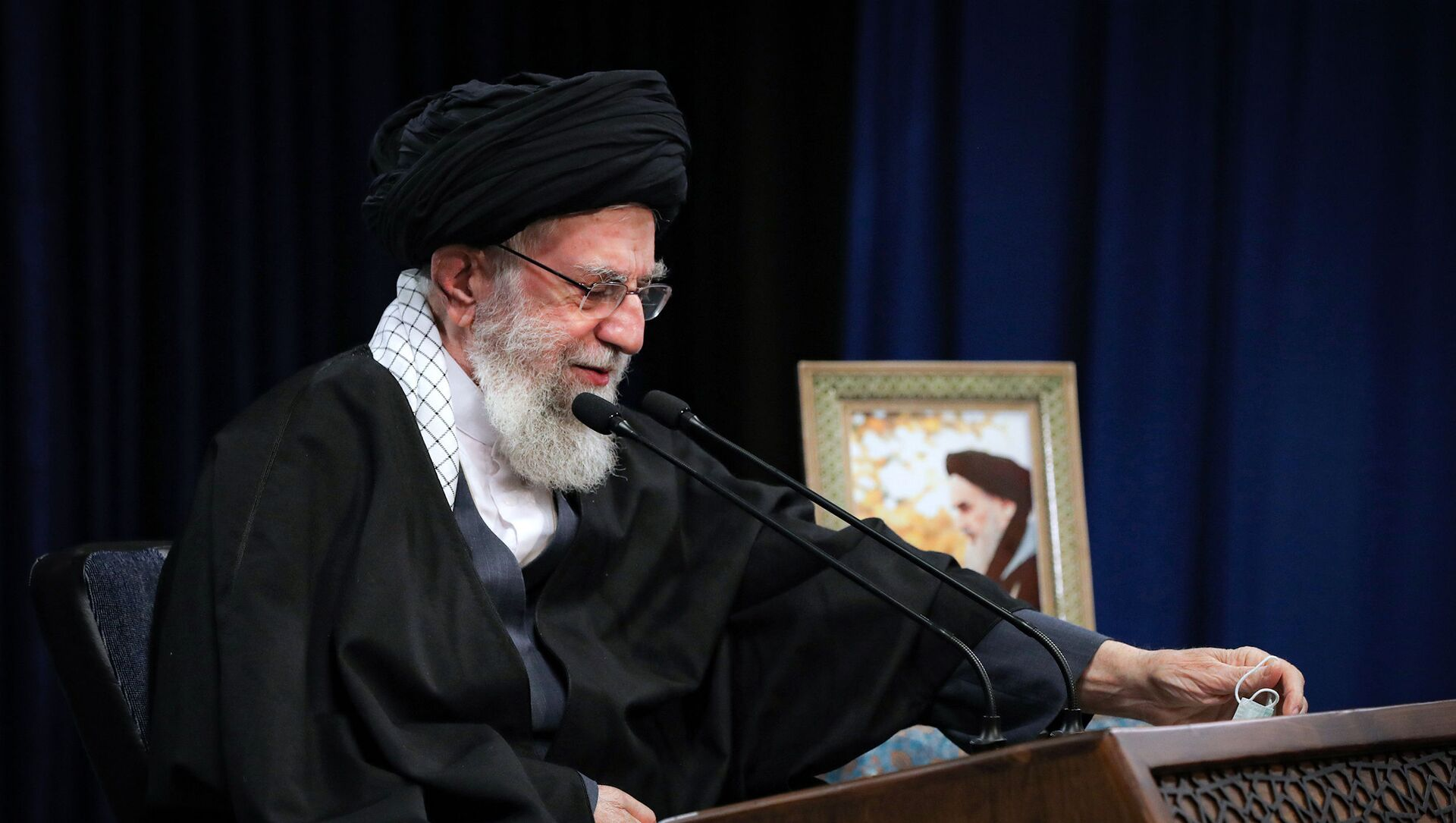Верховный лидер Ирана аятолла Али Хаменеи, фото из архива - Sputnik Азербайджан, 1920, 07.02.2021