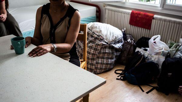 Женщина  в центре социальной реабилитации, фото из архива - Sputnik Азербайджан
