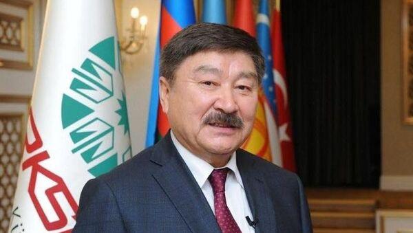 Генеральный секретарь ТЮРКСОЙ (Международной организации по совместному развитию тюркской культуры и искусства) Дюсен Касеинов - Sputnik Азербайджан