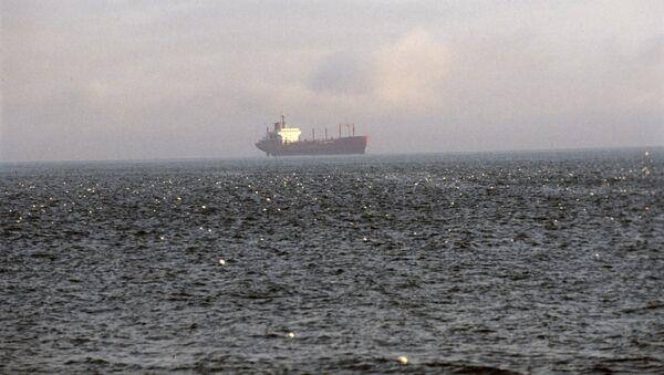 Сухогруз в Беринговом море - Sputnik Азербайджан