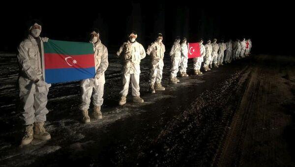 Азербайджанские и турецкие военные в Карсе во время учений, фото из архива - Sputnik Азербайджан