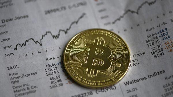 Визуальное изображение биткоина, фото из архива - Sputnik Азербайджан