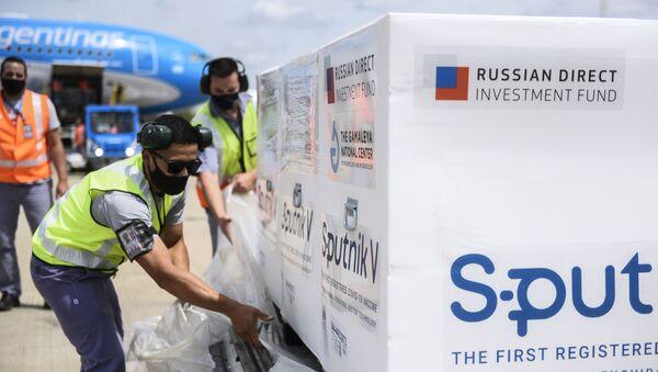 Прибытие рейса с вакциной Sputnik V в Аргентину - Sputnik Азербайджан