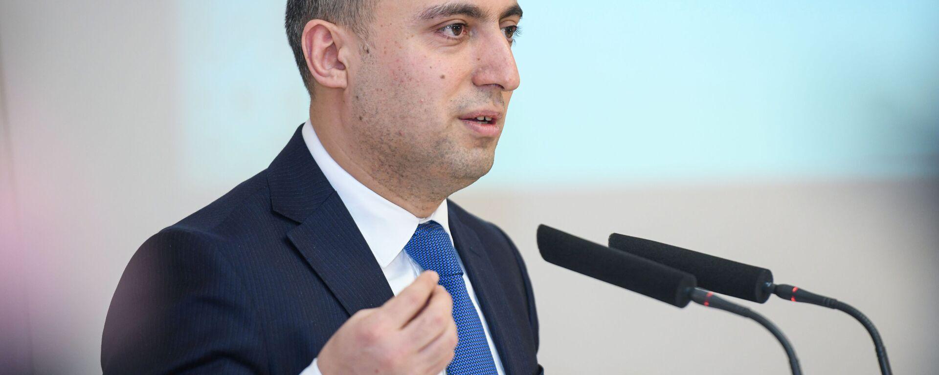 Təhsil naziri Emin Əmrullayev - Sputnik Азербайджан, 1920, 06.05.2021