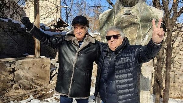 Фархад Бадалбейли и Полад Бюльбюльоглу в Шуше - Sputnik Азербайджан