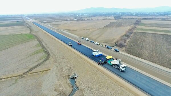 M2 magistralının 130 km-lik sonuncu hissəsinin genişləndirilməsi - Sputnik Азербайджан