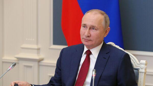 Президент РФ В. Путин выступил на сессии онлайн-форума Давосская повестка дня 2021 - Sputnik Azərbaycan