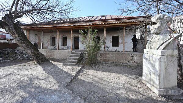 Доме-музей Бюльбюля в Шуше - Sputnik Азербайджан