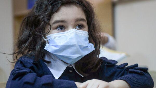 Возобновление очных занятий в бакинских школах, 1 февраля 2021 года - Sputnik Azərbaycan