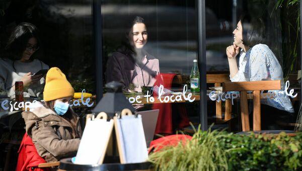 В Баку после смягчения карантинного режима возобновили работу рестораны и кафе, 1 февраля 2021 года - Sputnik Азербайджан