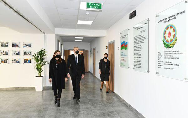 Президент Ильхам Алиев и Первая леди Мехрибан Алиева в Абшеронском районе - Sputnik Азербайджан