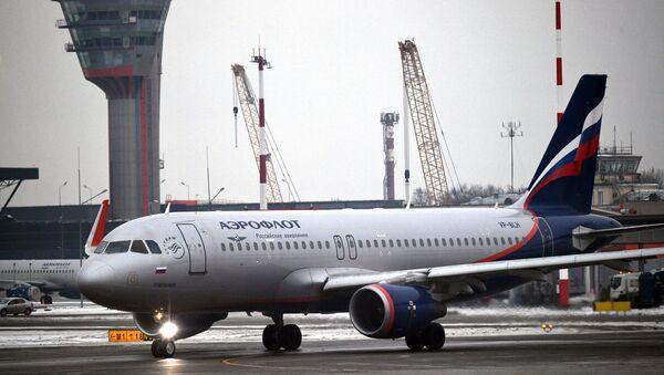 Самолет авиакомпании Аэрофлот налетном поле Международного аэропорта Шереметьево, фото из архива - Sputnik Азербайджан