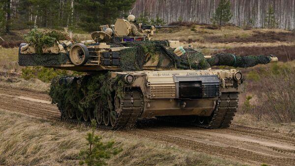 Танк M1 Abrams на международных военных учениях Summer Shield XIV в Латвии, фото из архива - Sputnik Azərbaycan