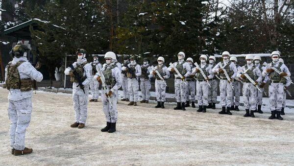 Азербайджанские военнослужащие на «Зимних учениях 2021», проходящих в Турецкой Республике - Sputnik Azərbaycan