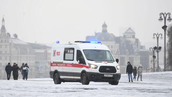Машина скорой помощи в Москве, фото и архива - Sputnik Azərbaycan