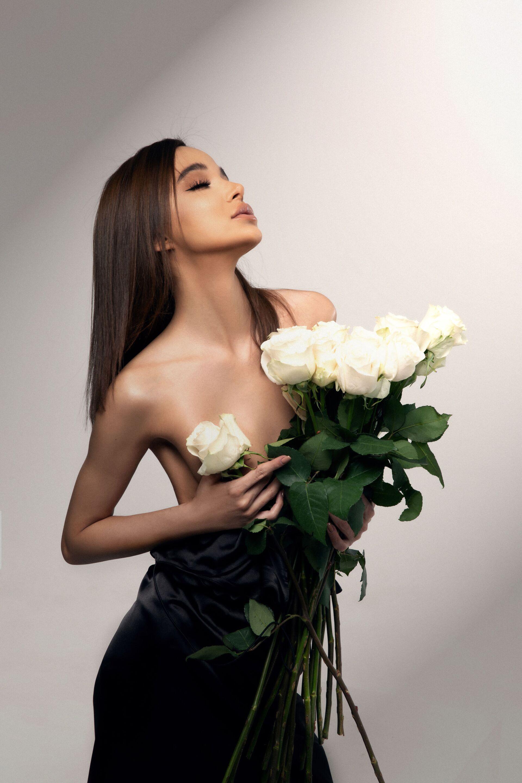 Подписчики раскритиковали Мисс Азербайджан-2019 за откровенный снимок - Sputnik Азербайджан, 1920, 12.02.2021