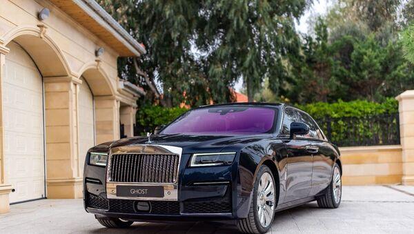 Совершенство в простоте: в Баку представили новый Rolls-Royce Ghost - Sputnik Азербайджан