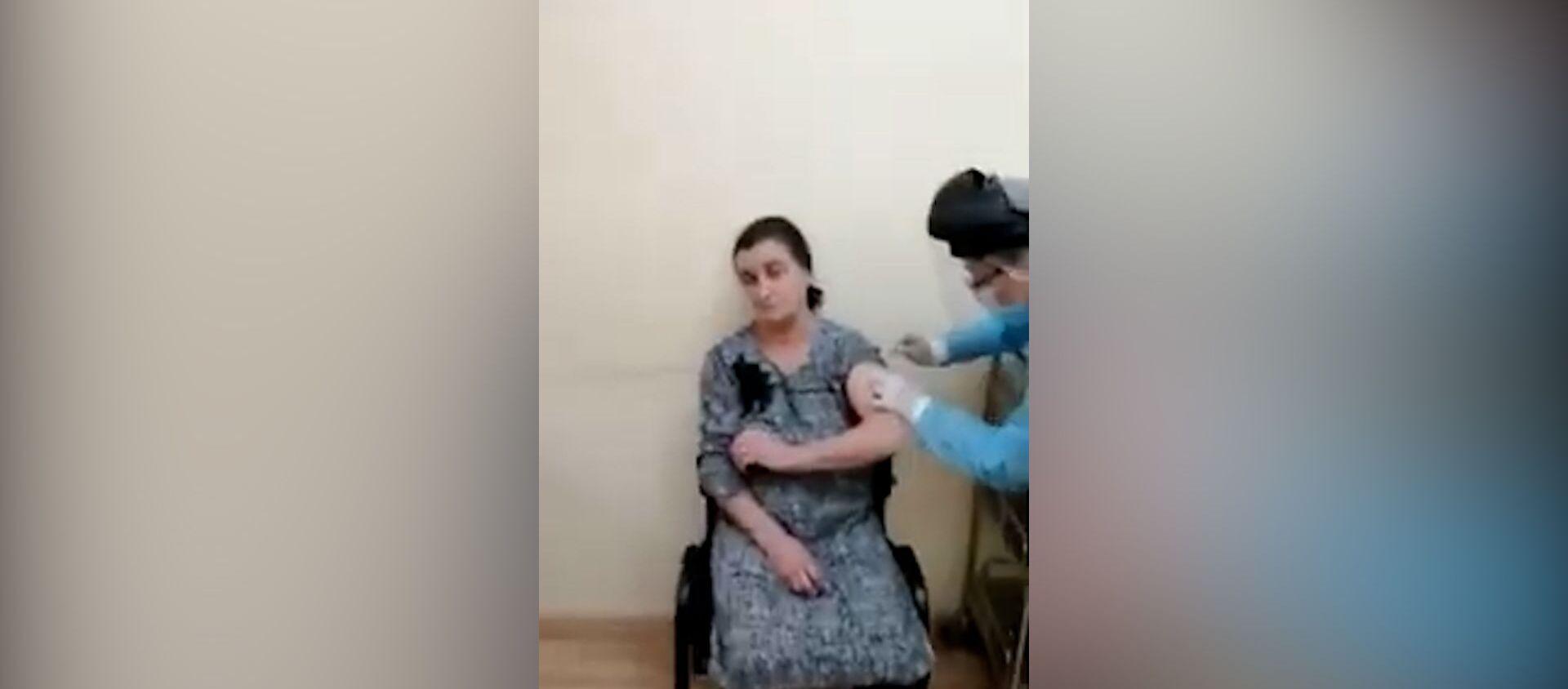 Как проходит вакцинация лиц старше 65 лет – видео - Sputnik Азербайджан, 1920, 08.02.2021