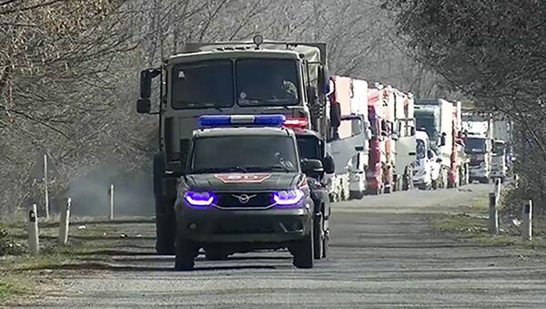 Военнослужащие российского миротворческого контингента в Карабахе - Sputnik Азербайджан