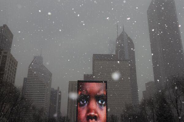 Видео-скульптура Crown Fountain в парке Millennium в Чикаго - Sputnik Азербайджан