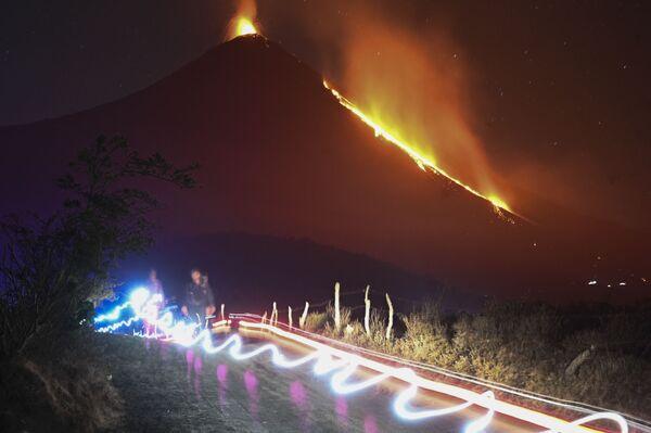 Извержение вулкана Пакайя, Гватемала - Sputnik Азербайджан