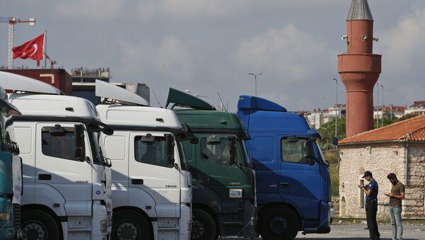 Турецкие грузовые автомобили, фото из архива - Sputnik Азербайджан